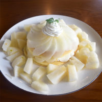 阪中農園様の高級梨を使ったパンケーキとパフェが期間限定で登場!