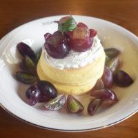 和歌山県かつらぎ町の水浦農園様の葡萄を使ったパンケーキとパフェが今年も期間限定で登場!
